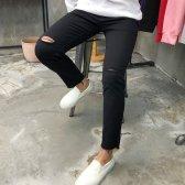무릎 밑단 컷팅 슬림일자핏 블랙진
