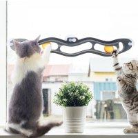 코스티 창문부착형 움직이는 장난감 캣토이 트랙앤롤 고양이 공놀이 운동