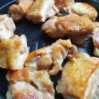 국내산 뼈없는 닭다리살 1kg